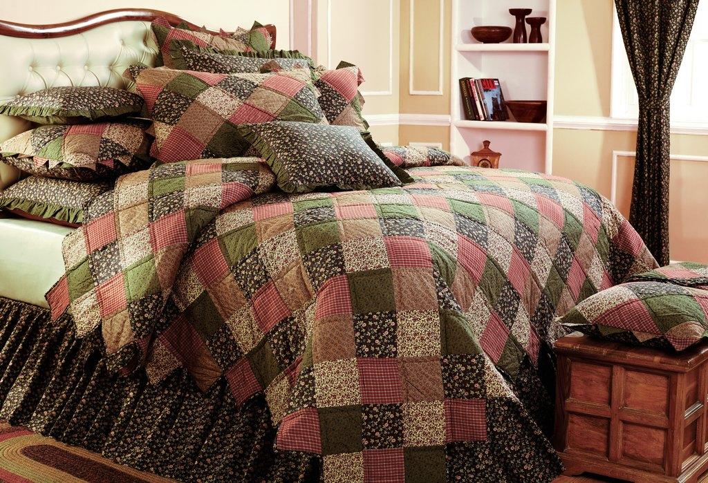 Fountain Hills AZ heirloom bedding